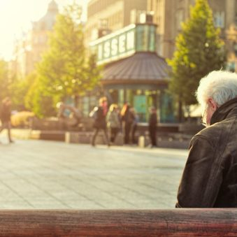 El desafío de resideñar las ciudades para adaptarse a una población que envejece